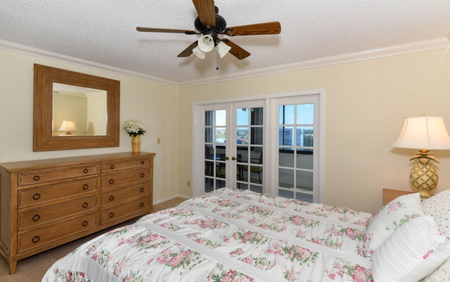 1125-707 Master Bed Room