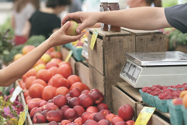 farmers markets with apples