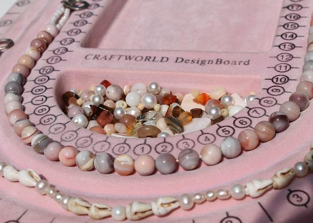 10 Popular Shops of Siesta Key Village    art, beads, Peppertree Bay
