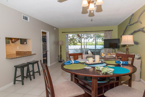 Cooking in a Vacation Condo || Peppertree Bay || Monthly Rentals on Siesta Key