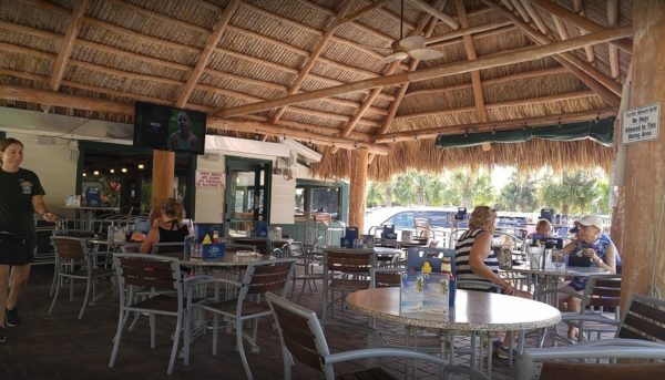 Siesta Key, Turtle Beach is a particularly great spot to indulge in some of the most fascinating eateries in the area. Here is our Turtle Beach restaurant guide.